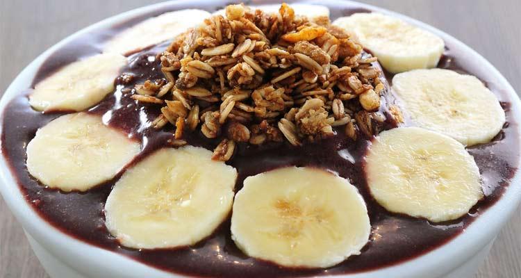 açaí engorda? banana e granola
