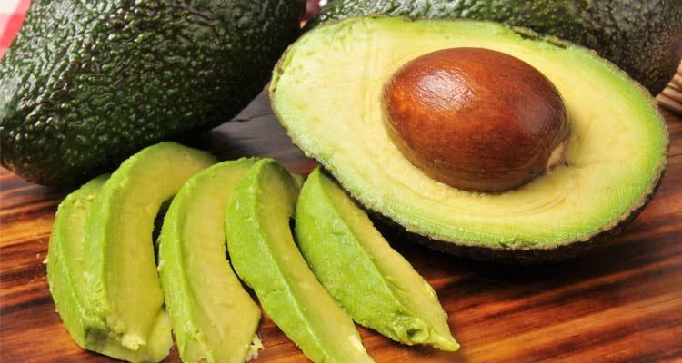 como escolher abacate - o caroço